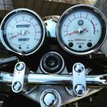 SR400を手に入れたら把握しておきたい回転数と速度との関係性とは
