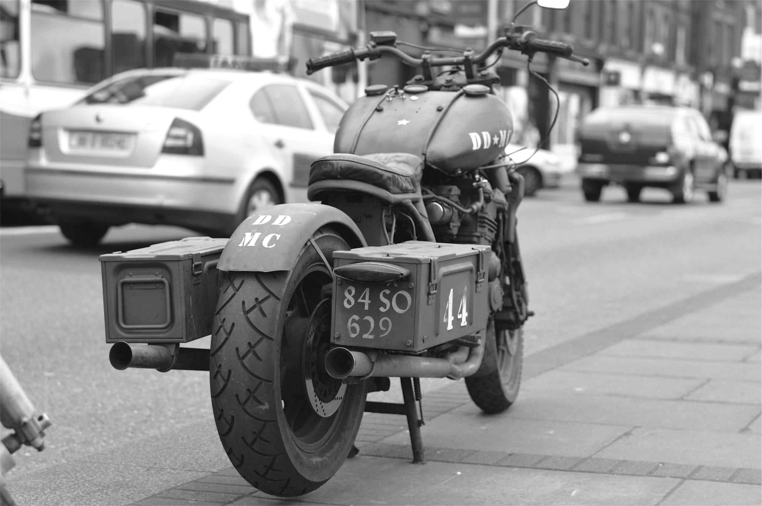 バイク 荷物