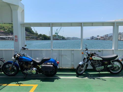 渡船とバイク